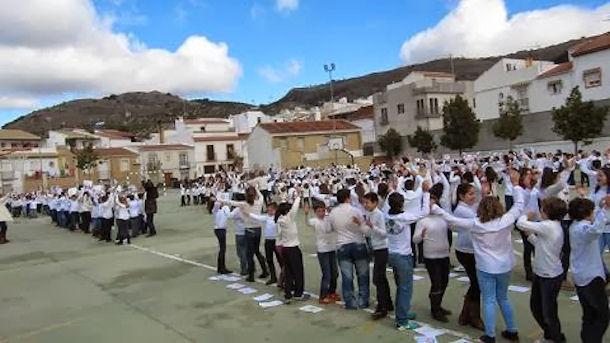 El colegio de do a menc a celebra el d a de la paz - Fotos de dona mencia ...