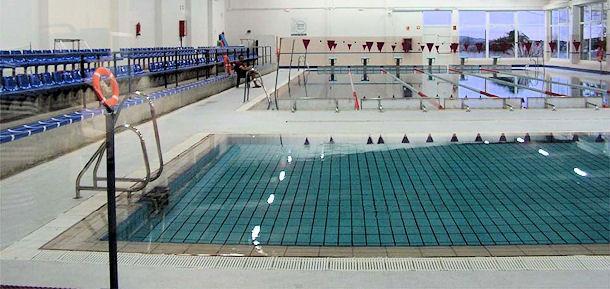 horario piscina: