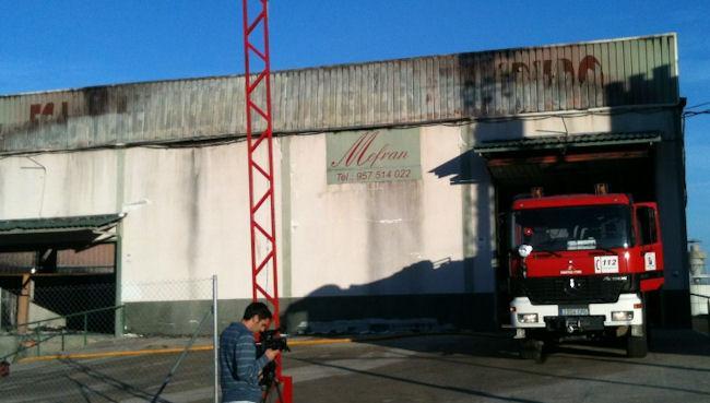 Incendio en f brica de muebles noticias de lucena en sur for Fabricas de muebles en lucena cordoba